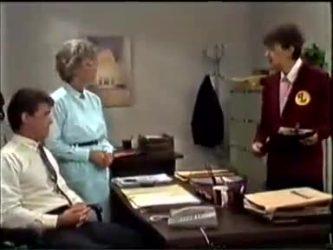 Paul Robinson, Helen Daniels, Nell Mangel in Neighbours Episode 0462