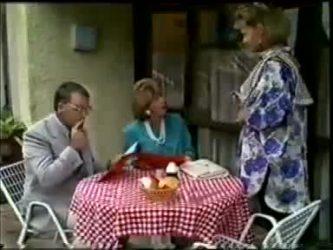 Harold Bishop, Madge Bishop, Daphne Clarke in Neighbours Episode 0462