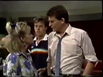 Daphne Clarke, Mike Young, Des Clarke in Neighbours Episode 0462