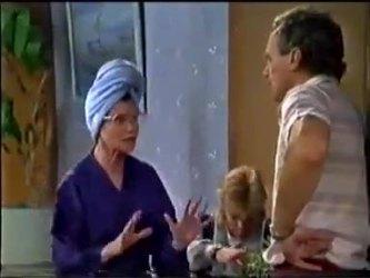 Helen Daniels, Scott Robinson, Jim Robinson in Neighbours Episode 0465
