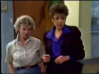 Helen Daniels, Christine Wilton in Neighbours Episode 0466