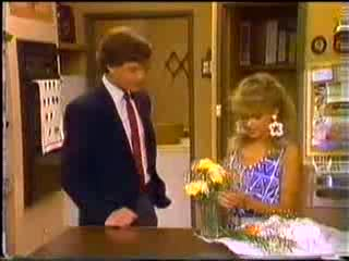 Warren Murphy, Charlene Mitchell in Neighbours Episode 0468