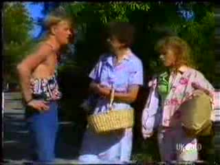 Scott Robinson, Nell Mangel, Charlene Mitchell in Neighbours Episode 0468
