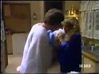 Warren Murphy, Charlene Mitchell in Neighbours Episode 0470