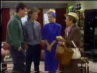 Des Clarke, Mike Young, Daphne Clarke, Eileen Clarke in Neighbours Episode 0470