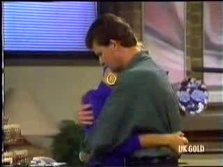 Daphne Clarke, Des Clarke in Neighbours Episode 0470
