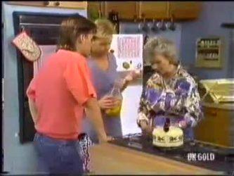 Mike Young, Scott Robinson, Helen Daniels in Neighbours Episode 0471
