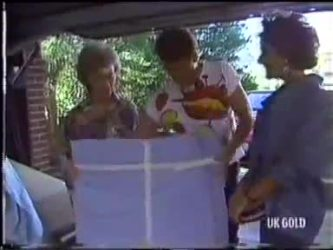 Helen Daniels, Paul Robinson, Gail Lewis in Neighbours Episode 0471