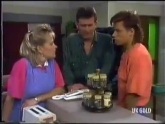Daphne Clarke, Des Clarke, Mike Young in Neighbours Episode 0471
