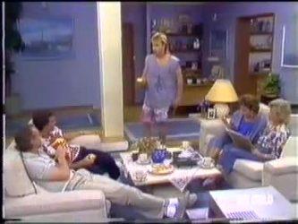 Jim Robinson, Paul Robinson, Scott Robinson, Gail Lewis, Helen Daniels in Neighbours Episode 0471