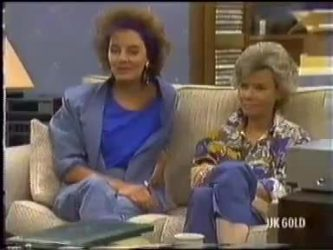 Gail Robinson, Helen Daniels in Neighbours Episode 0471