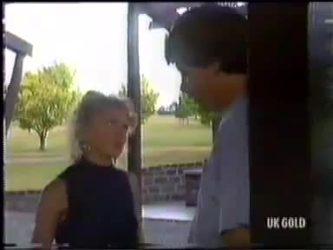 Charlene Mitchell, Warren Murphy in Neighbours Episode 0471