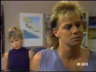 Charlene Mitchell, Scott Robinson in Neighbours Episode 0471
