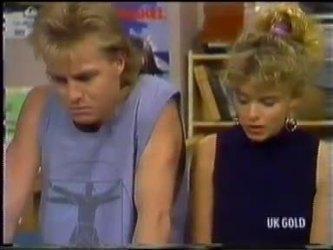 Scott Robinson, Charlene Mitchell in Neighbours Episode 0471