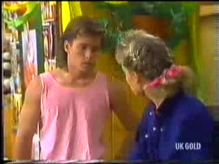 Mike Young, Daphne Clarke in Neighbours Episode 0472