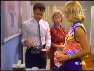 Paul Robinson, Helen Daniels, Jane Harris in Neighbours Episode 0474