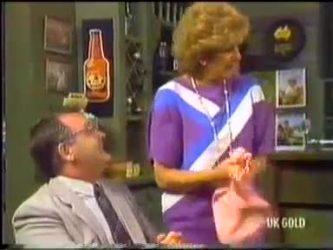 Harold Bishop, Madge Bishop in Neighbours Episode 0474