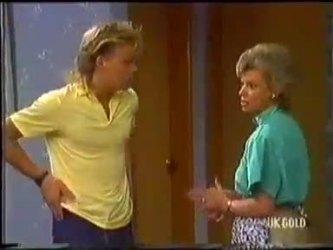 Scott Robinson, Helen Daniels in Neighbours Episode 0479