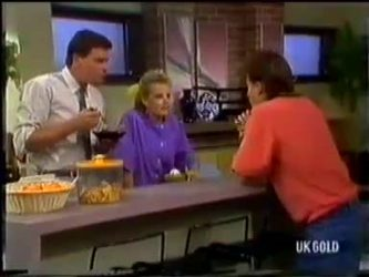 Des Clarke, Daphne Clarke, Mike Young in Neighbours Episode 0480