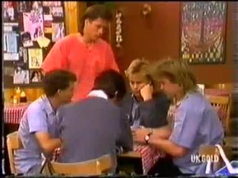 Mike Young, Scott Robinson in Neighbours Episode 0480