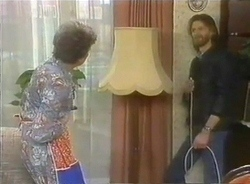 Nell Mangel, Carl Banks in Neighbours Episode 0775