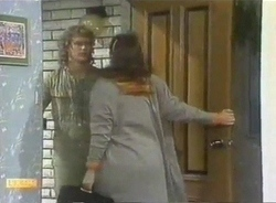 Henry Ramsay, Beverly Marshall in Neighbours Episode 0775