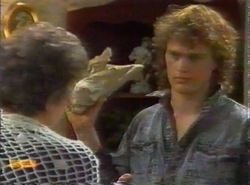 Nell Mangel, Henry Ramsay in Neighbours Episode 0777
