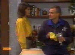 Beverly Marshall, Jim Robinson in Neighbours Episode 0777
