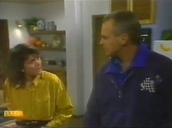 Beverly Marshall, Jim Robinson in Neighbours Episode 0778