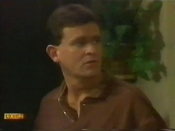 Des Clarke in Neighbours Episode 0779