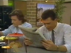 Mike Young, Des Clarke in Neighbours Episode 0779
