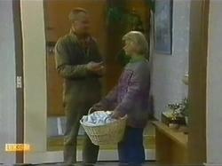 Jim Robinson, Helen Daniels in Neighbours Episode 0779