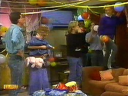 Des Clarke, Jamie Clarke, Madge Bishop, Scott Robinson, Pete Baxter, Mike Young, Bronwyn Davies in Neighbours Episode 0780