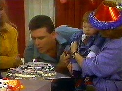 Des Clarke, Jamie Clarke, Madge Bishop in Neighbours Episode 0780