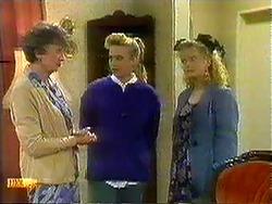 Nell Mangel, Bronwyn Davies, Sharon Davies in Neighbours Episode 0781