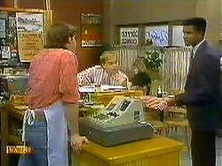 Mike Young, Scott Robinson, Pete Baxter in Neighbours Episode 0781
