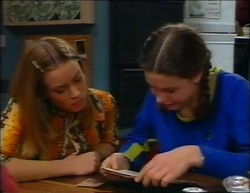 Claire Girard, Hannah Martin in Neighbours Episode 2961
