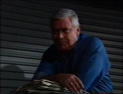 Lou Carpenter in Neighbours Episode 2961