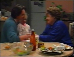 Darren Stark, Louise Carpenter (Lolly), Marlene Kratz in Neighbours Episode 2962