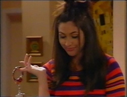 Sarah Beaumont in Neighbours Episode 2964