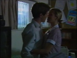 Lance Wilkinson, Amy Greenwood in Neighbours Episode 2964