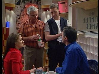 Sarah Beaumont, Lou Carpenter, Ben Atkins, Karl Kennedy in Neighbours Episode 2995