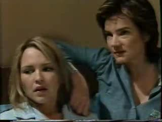Steph Scully, Lyn Scully in Neighbours Episode 3559