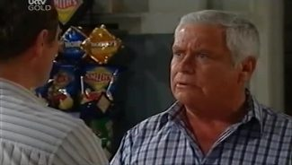 Max Hoyland, Lou Carpenter in Neighbours Episode 4659