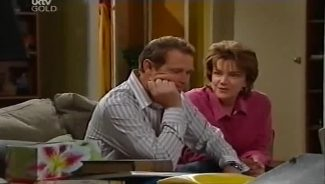 Max Hoyland, Lyn Scully in Neighbours Episode 4659