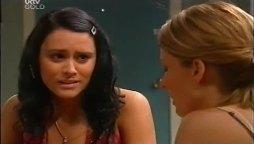 Carmella Cammeniti, Izzy Hoyland in Neighbours Episode 4662