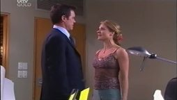 Paul Robinson, Izzy Hoyland in Neighbours Episode 4662