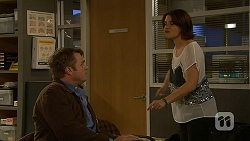Gary Canning, Naomi Canning in Neighbours Episode 7031