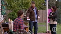 Kyle Canning, Gary Canning, Naomi Canning in Neighbours Episode 7033