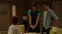 Susan Kennedy, Chris Pappas, Nate Kinski in Neighbours Episode 7034